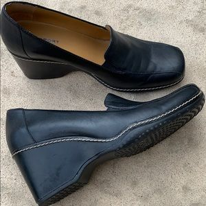 Rockport Blk Leather Wedge Loafer Women's Size 6